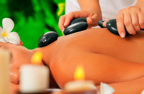 Imperdível: 4 Sessões de Massagem com Pedras Quentes + Bambuterapia + Aromoterapia em 3 Vezes Sem Juros