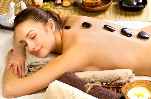 Só Hoje: Massagem Relaxante + Pedras quentes ou Reflexologia na Mooca em 3 Vezes Sem Juros