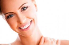 Pele Linda e Jovem! Fototerapia Facial com 5 Sessões de Camara de LED + Radiofrequência + Higienização da Pele