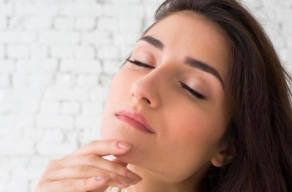 Só Hoje: Limpeza De Pele Facial Profunda + Extração De Cravos + Alta Frequência + Tonificação + Máscara Preciosa(ouro, Diamante, Rubi Ou Malaquita)