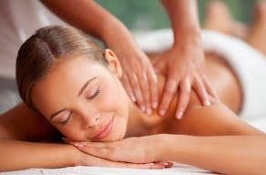 Day Spa Com Massagem Relaxante + Reflexologia Podal + Escalda Pés + Hidratação Facial + Manicure E Pedicure + Escova Com Opção De Banho De Ofurô