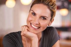 Mais Colágeno: 1 Sessão De Microagulhamento Facial + Vitamina C 20% (pura E Estéril) + Fator De Crescimento