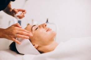 Tratamento Facial Com Extração De Cravos Espinhas + Ultrassom Facial e Finalizando Com Uma Super Hidratação Com Máscara De Diamante no Campo Belo
