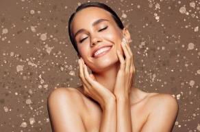 Elimine as Manchas do Rosto com 10 Sessões De Clareamento + Mascara Clareadora + Massagem Linfth + 1 Limpeza De Pele Completa em Moema