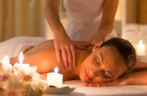 Combo Facial e Corporal: 1 Sessão De Limpeza De Pele e 1 Sessão De Massagem Relaxante em Moema